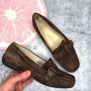 Ugg Crawford loafer brown suede brass buckle size8